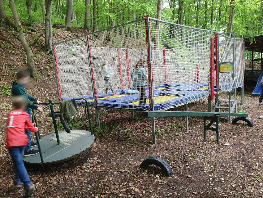 WeitereBilder15-Biergarten-mit-Spielplatz.jpg
