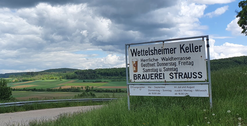 WeitereBilder2-Brauerei-Strauss-Wettelsheim-Waldterrasse.jpg
